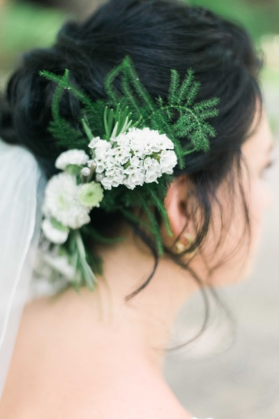This vintage hairpiece adds the perfect touch