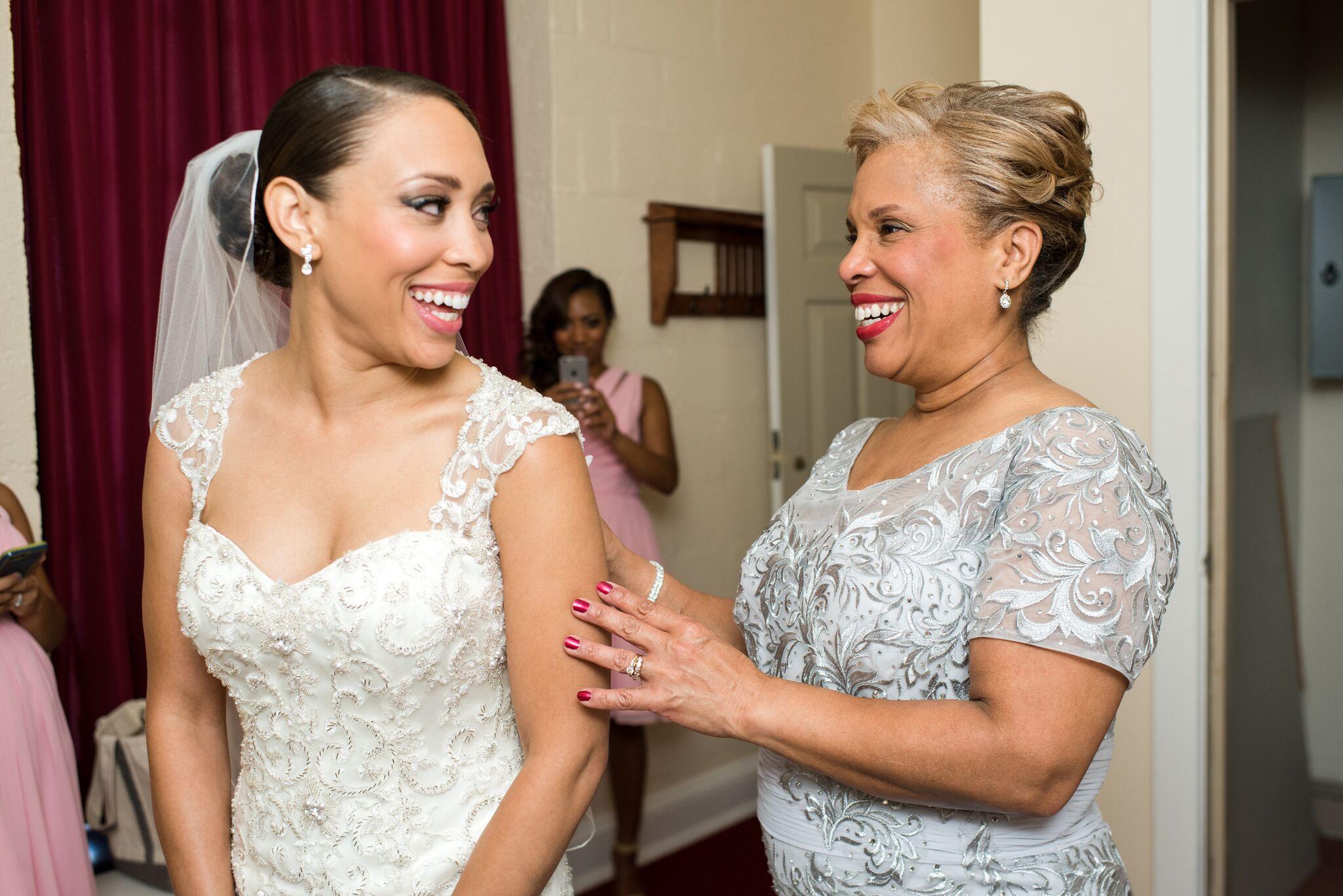 Фото причесок для мамы невесты
